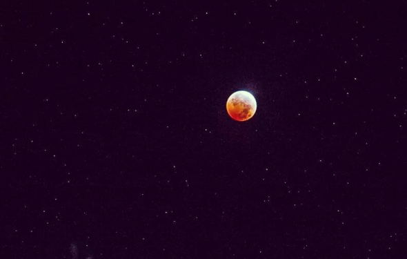 blood moon2